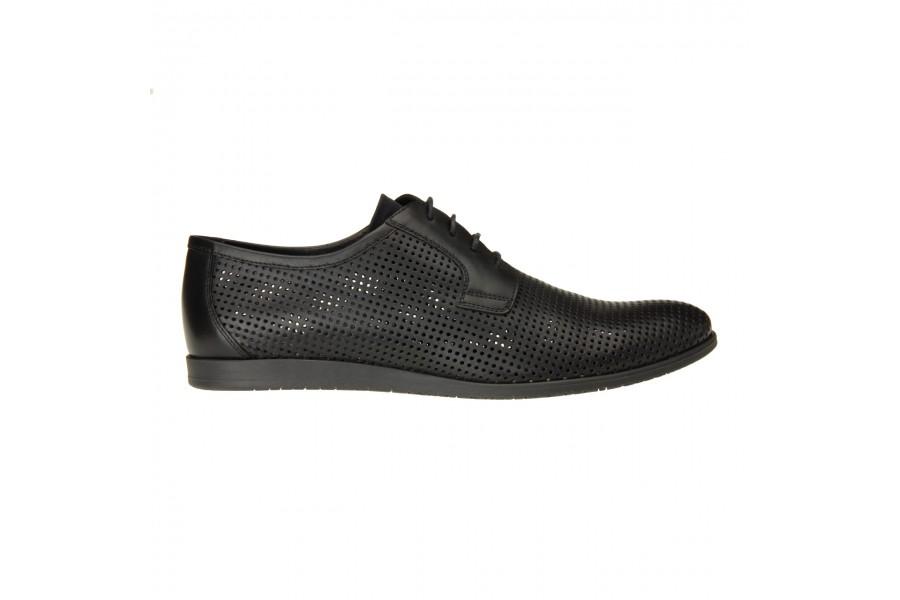 Buty z perforacją